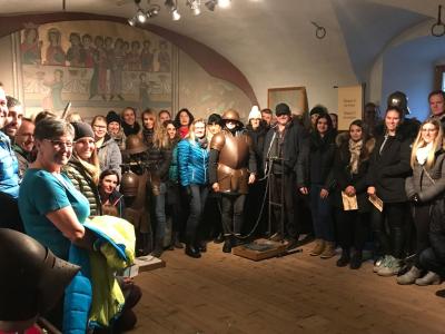 Gemeinsam - TouristikerInnen aus dem Bezirk Außerfern auf Ehrenberg!